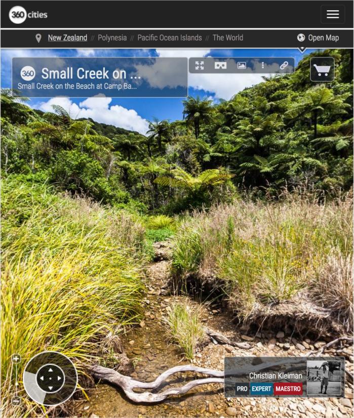 Arroyo en Camp Bay - Marlborough Sounds, Nueva Zelanda - Foto Pano 360 VR