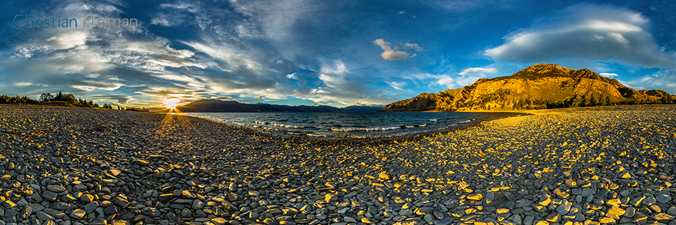 360 VR Photo - Gorgeous Sunset at the beach from Lake Hawea - Queenstown, New Zealand