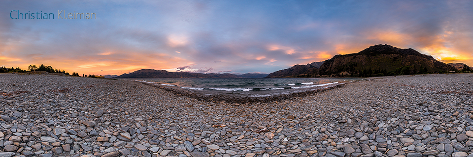 360 VR Foto. Crepúsculo Matutino en Lago Hawea - Queenstown, Nueva Zelanda