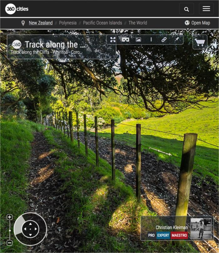Foto 360 VR. Sendero junto a los acantilados de Whiritoa. Coromandel. Waikato, Nueva Zelanda