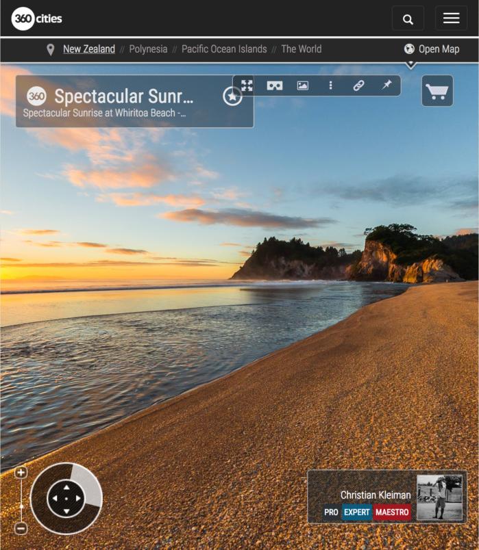 Foto 360 VR. Amanecer espectacular en la playa de Whiritoa. Coromandel. Waikato, Nueva Zelanda